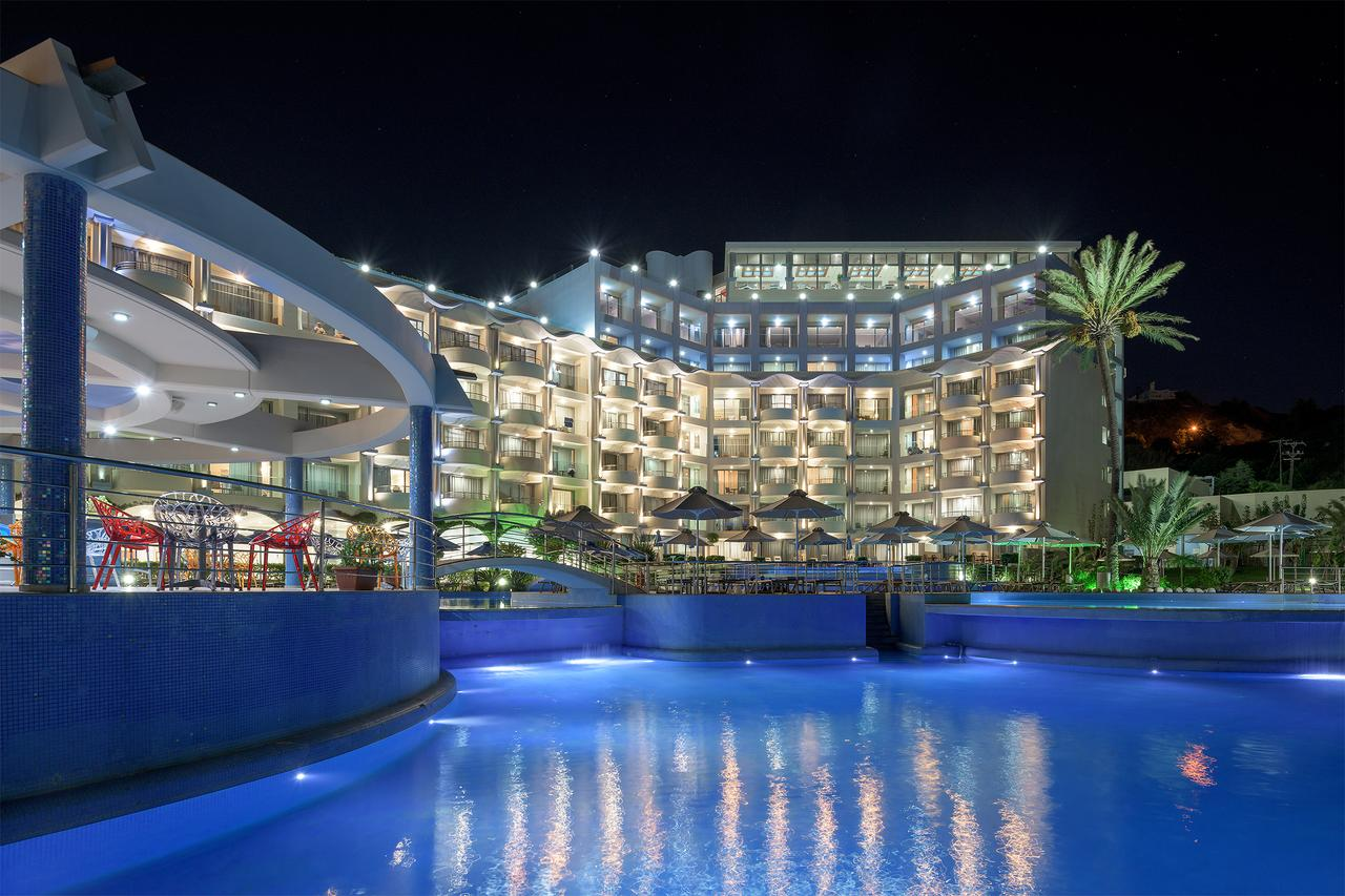 Atrium Platinum Spa & Convention Resort Hotel