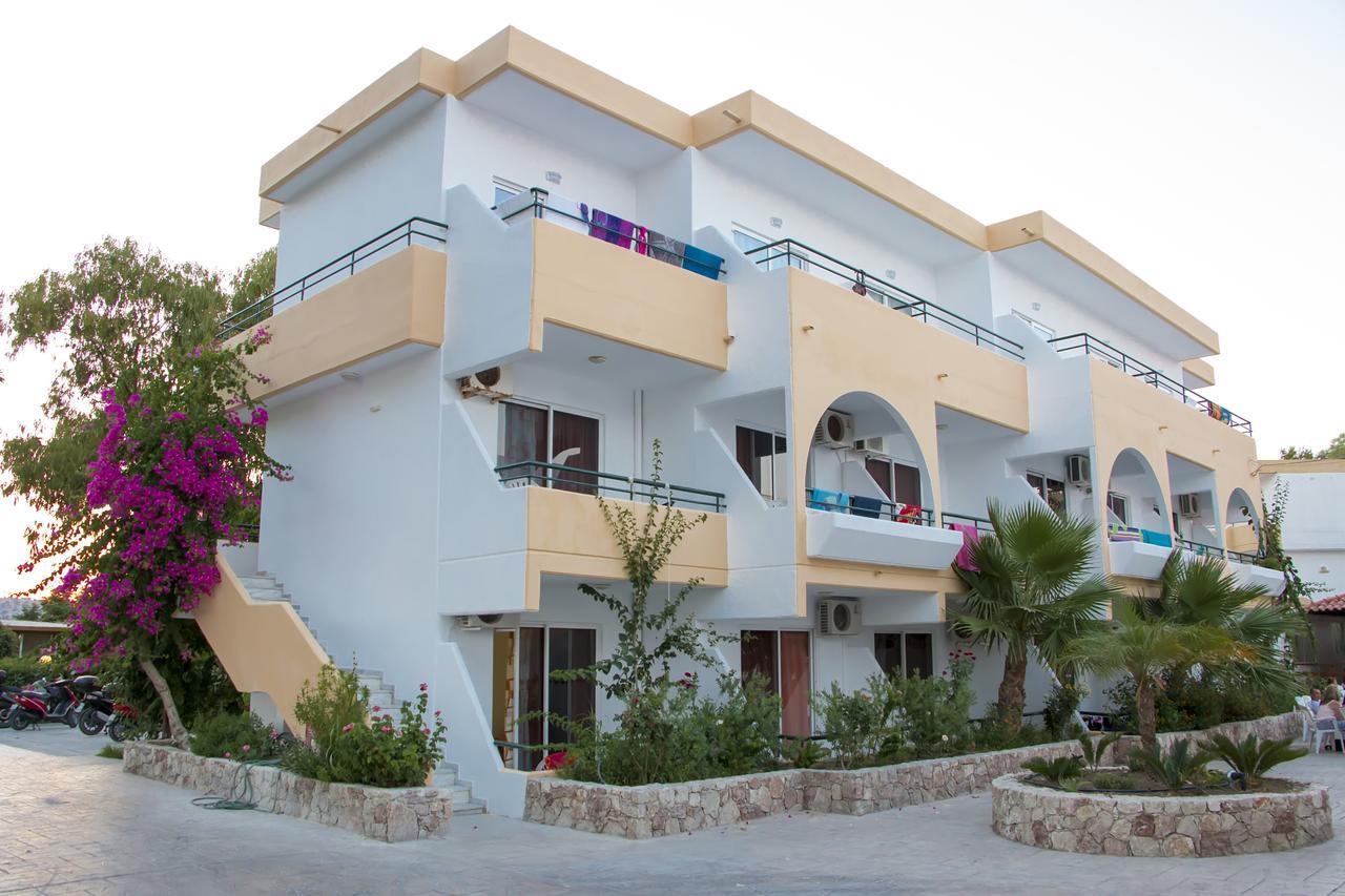 Euroxenia Marathon Hotel