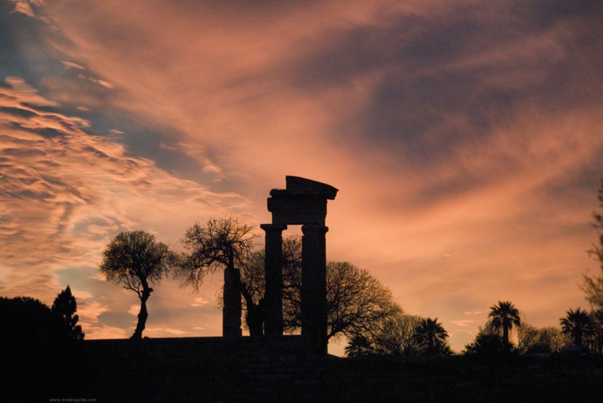 Rhodes history © Rhodes Guide / RhodesGuide.com