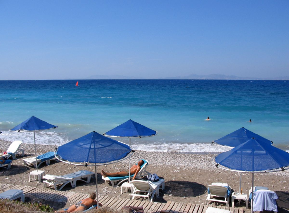 Ialyssos Beach (Ialysos) © Rhodes Guide / RhodesGuide.com